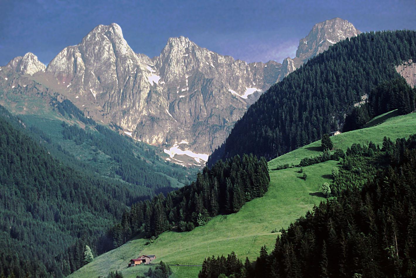 http://mstecker.com/images/Europe/Switzerland/Switzerlandphotos/a8switz2a.jpg