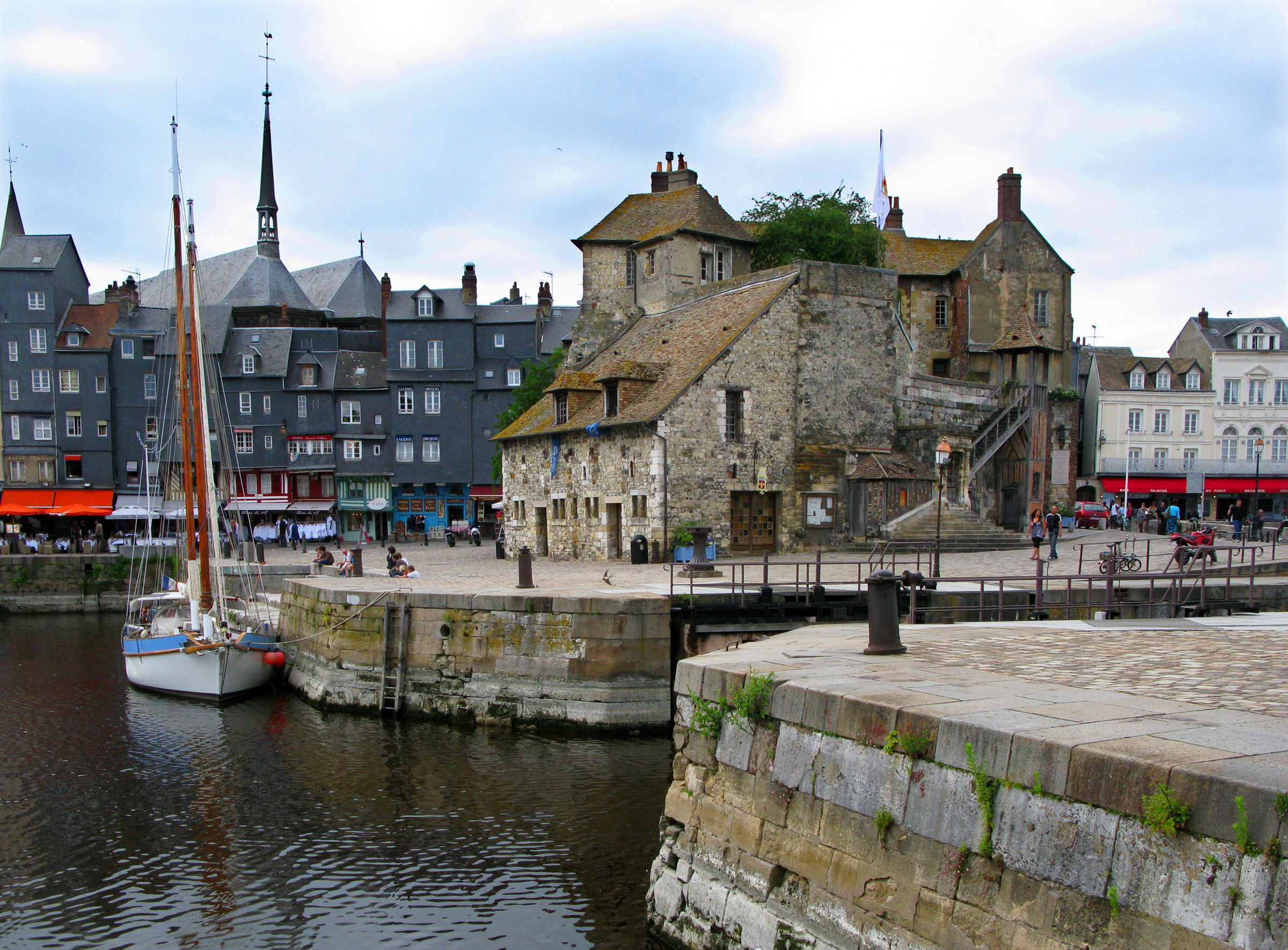 Honfleur La Lieutenance 1608 D 233 Part De Champlain Pour Le Canada
