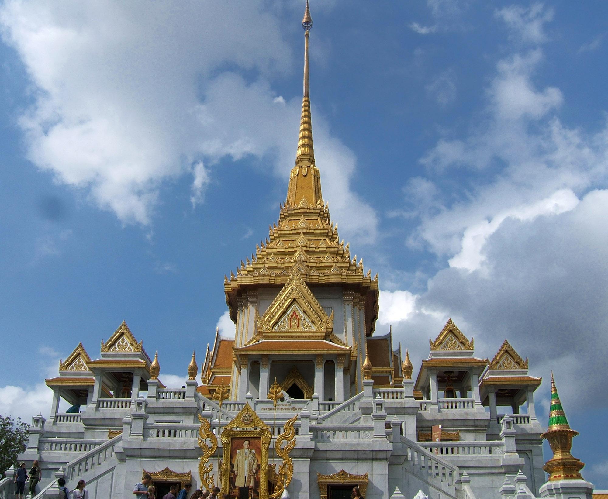 Wat Traimit home of the Golden Buddha in Bangkok, Thailand